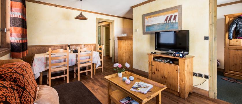 Lounge Area TV Unit.jpg